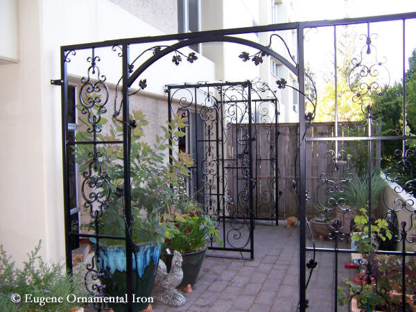 Arbors & Trellises Eugene Ornamental Iron